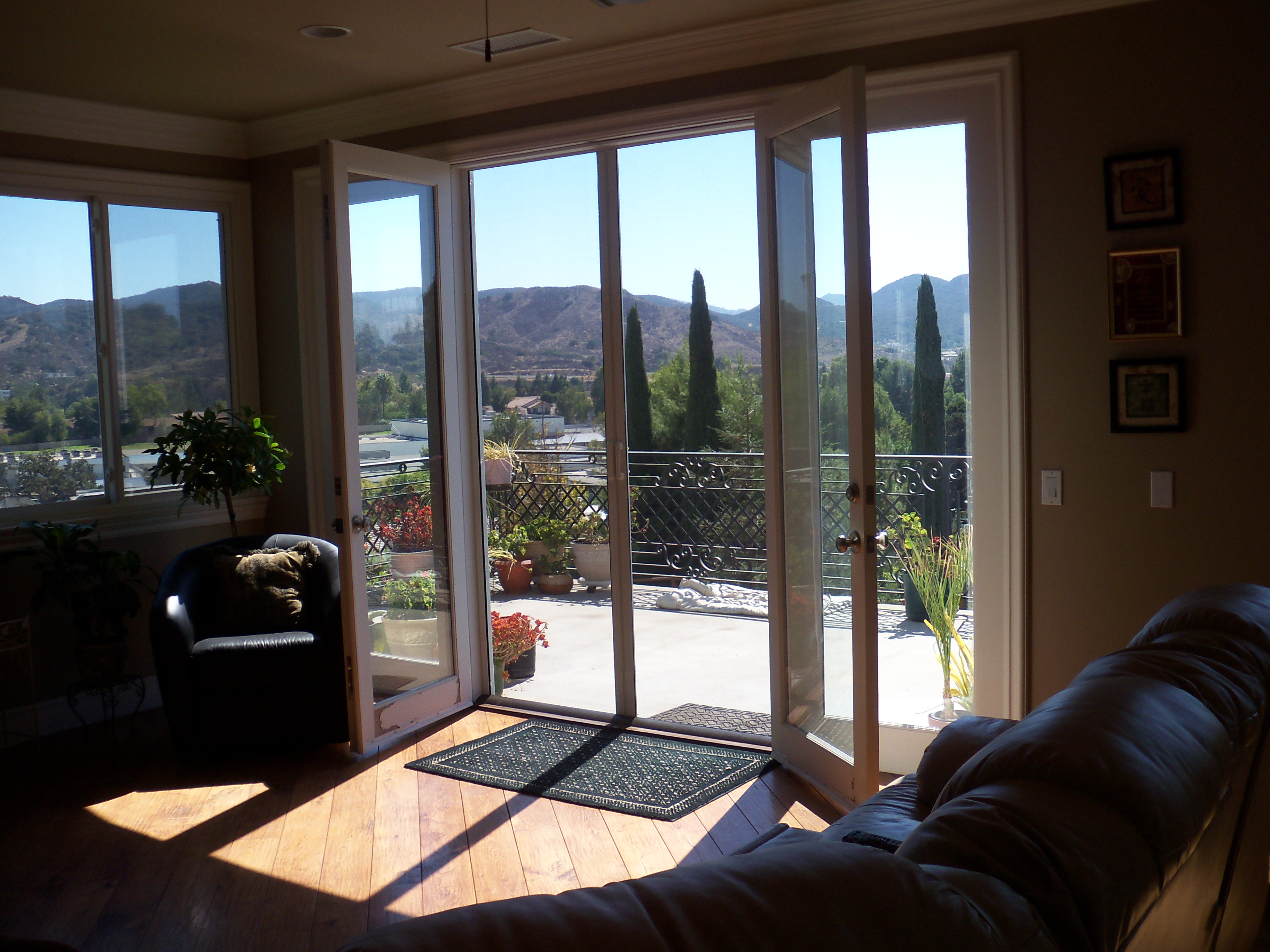 Doors With Screen: Window Screens And Screen Doors In San Fernando Valley