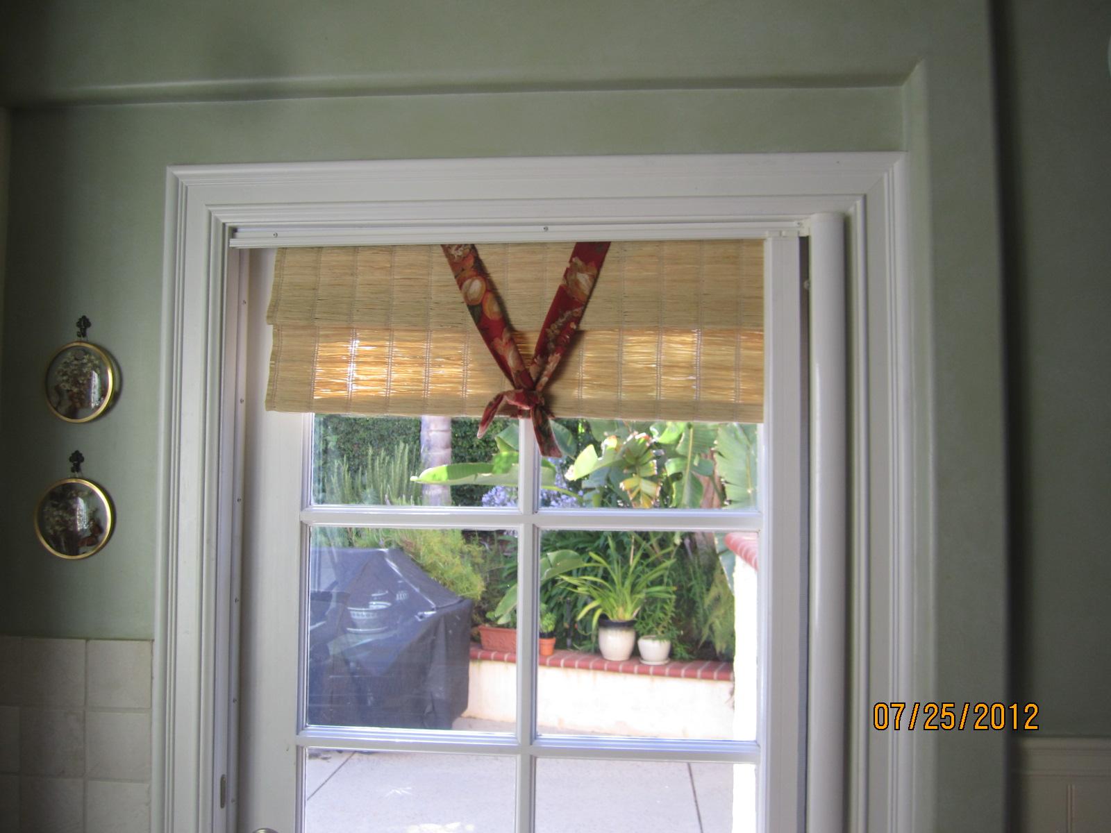 Patio screen doors licensed contractor custom screens for Hideaway retractable screens