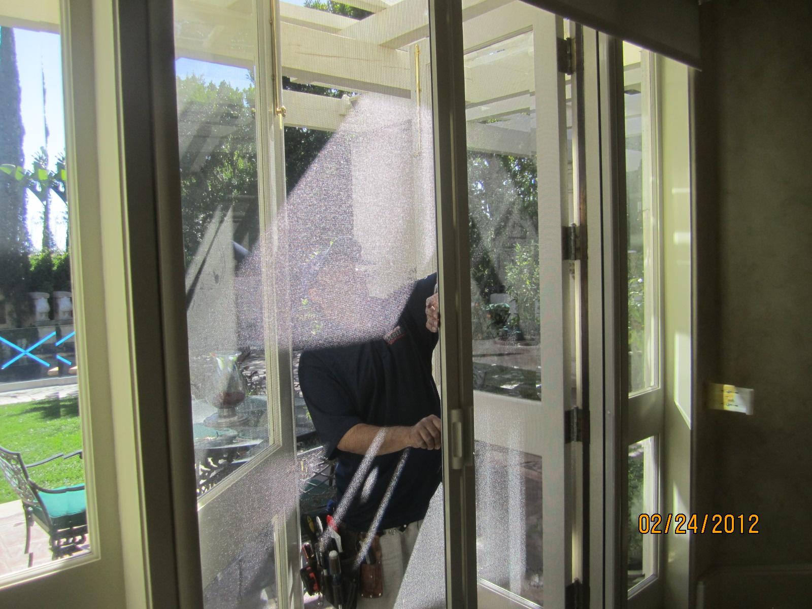 Hide away screen door retractable screen doors screen for Hideaway screens retractable screens
