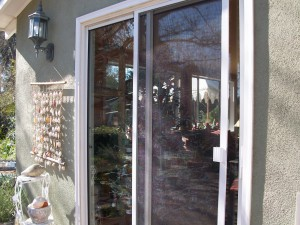 Screen door installation in northridge retractable for Universal sliding screen door