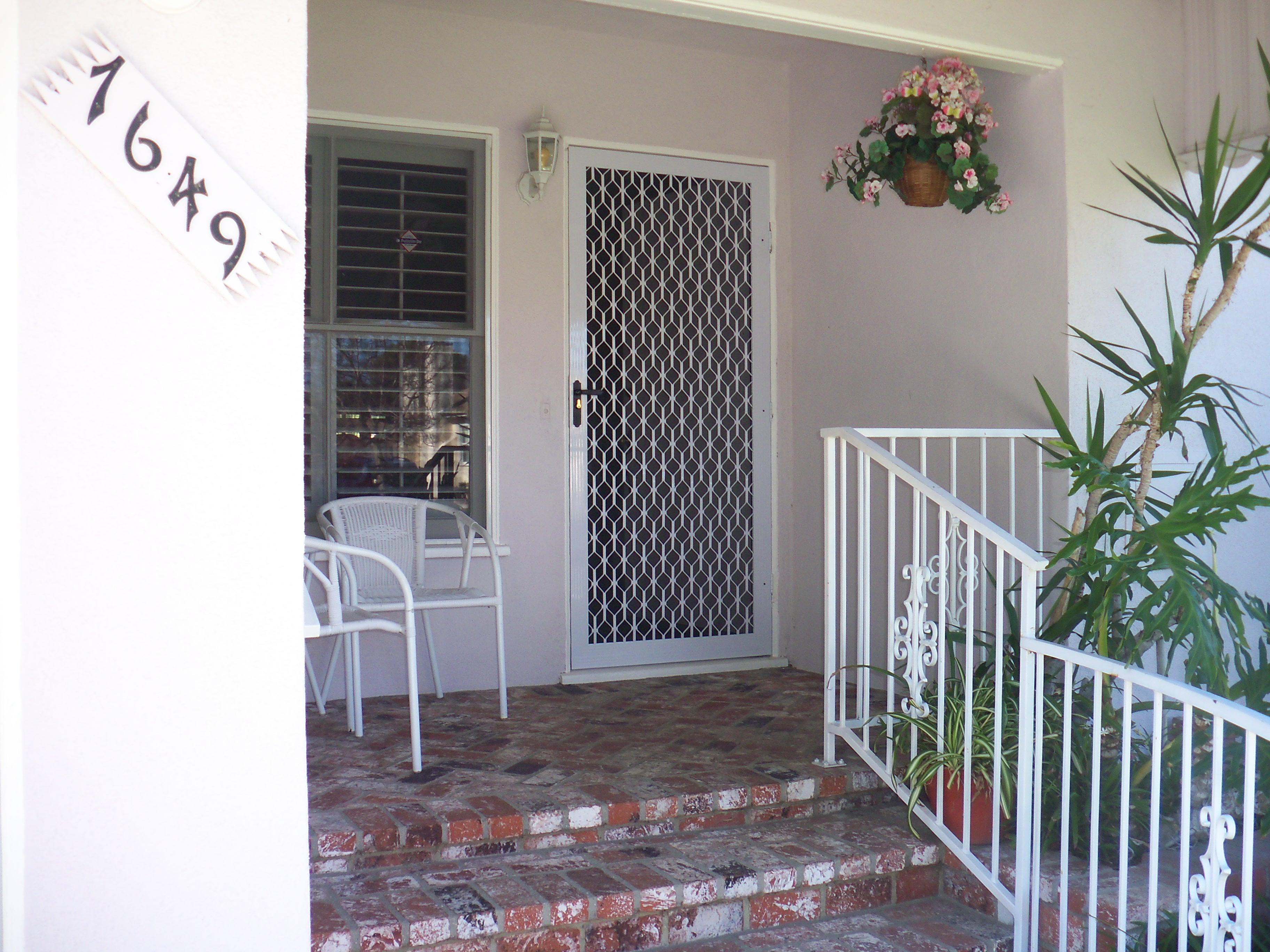 Screen Doors Calabasas Licensed Contractor Custom Screens