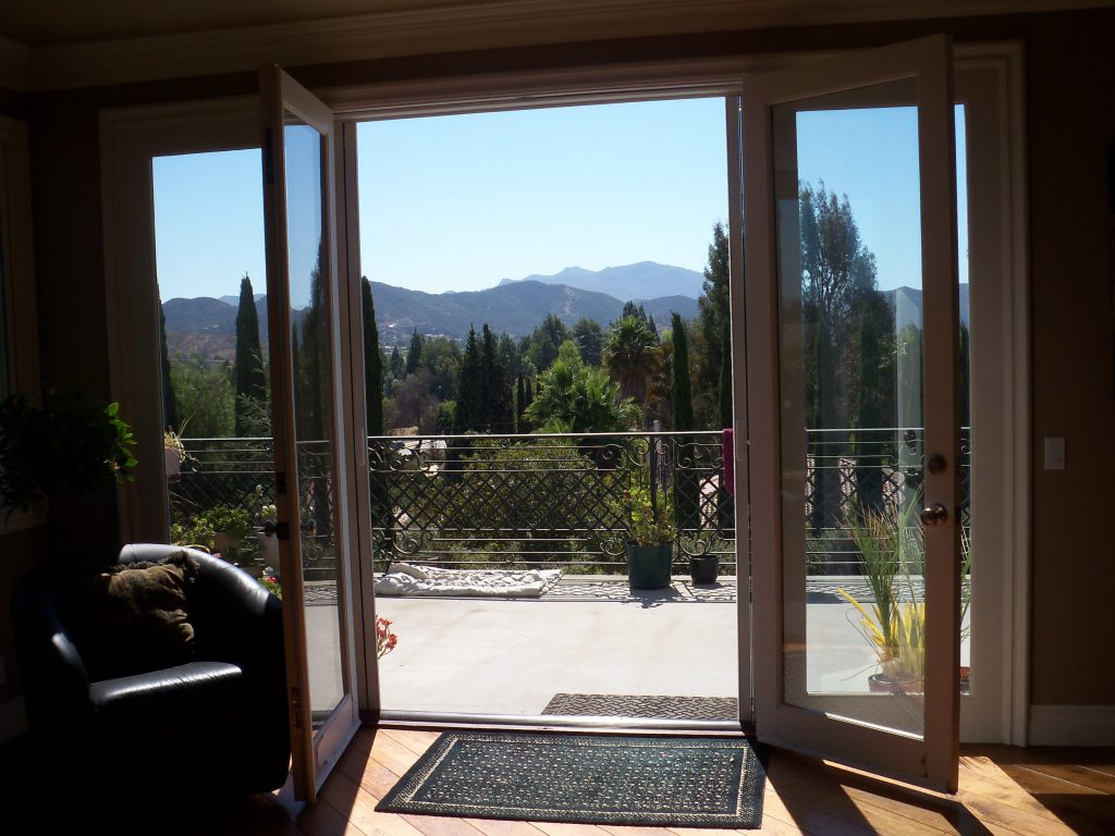 Retractable Screens Custom Made in Sherman Oaks